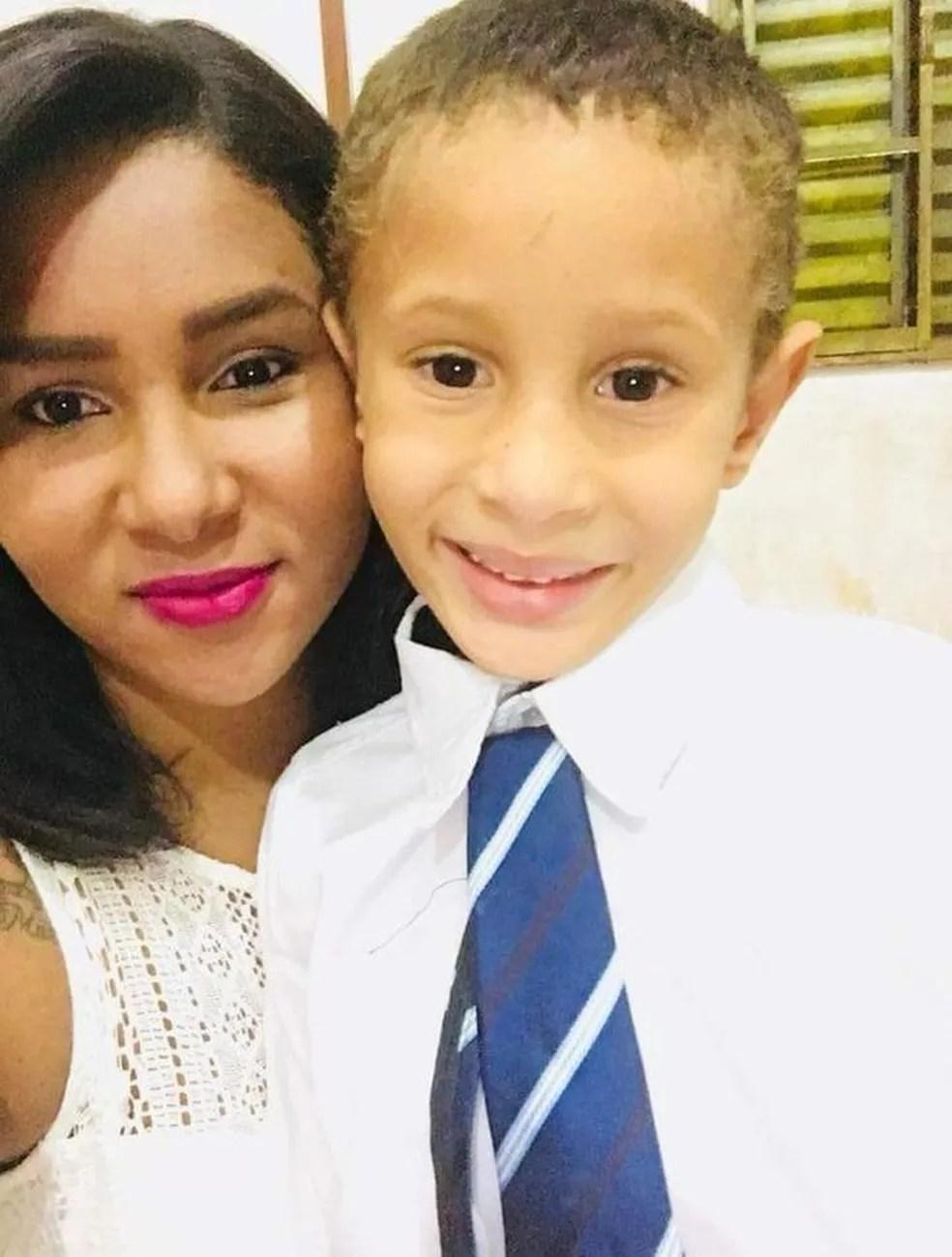 Samuel e a mãe, Anelice da Silva Gomes — Foto: Arquivo Pessoal