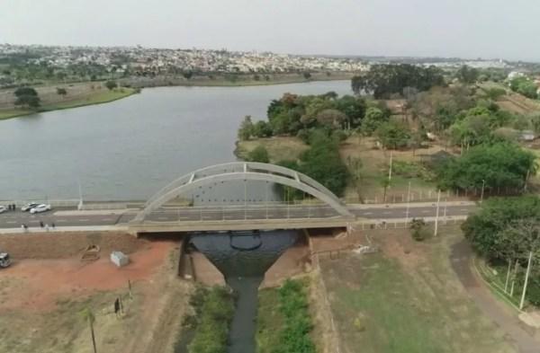 Com liberação do viaduto da BR-153, ponte estaiada também é liberada (Foto: Reprodução/TV TEM)