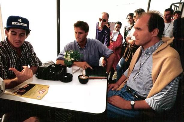 Philippe Streiff com Ayrton Senna em 1994 — Foto: Reprodução