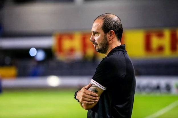 Allan Aal diz que confiança não pode ser abalada pela derrota contra o Avaí — Foto: Aílton Cruz/Gazeta de Alagoas