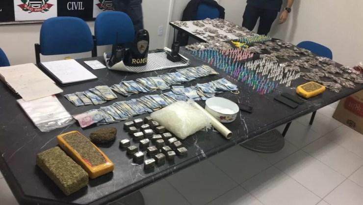 Drogas foram apresentadas na Dise em Sorocaba (SP) após apreensão na zona norte da cidade  (Foto: Dise/Sorocaba)