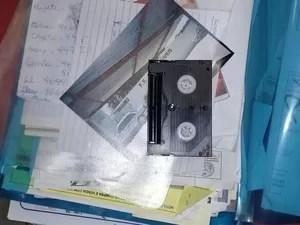 Documentos apreendidos na casa de empresário de Uberlândia (Foto: G1/G1)