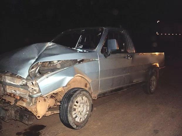 Homem que conduzia o carro foi socorrido e morreu no hospital em Jangada. (Foto: Divulgação PRF)