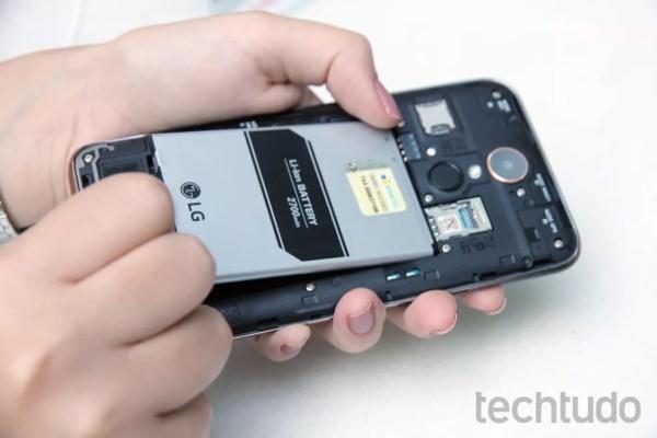 As baterias perdem a capacidade de armazenamento depois de alguns meses (Foto: Aline Batista/TechTudo)
