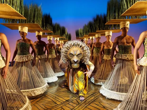 Cena do musical 'O rei leão', inspirado no clássico da Disney (Foto: Divulgação/João Caldas)