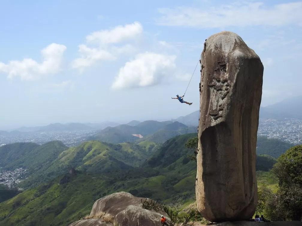 Pedra do Osso fica no Parque da Pedra Branca e tem 20 metros de altura (Foto: Moisés Miranda/Arquivo Pessoal)