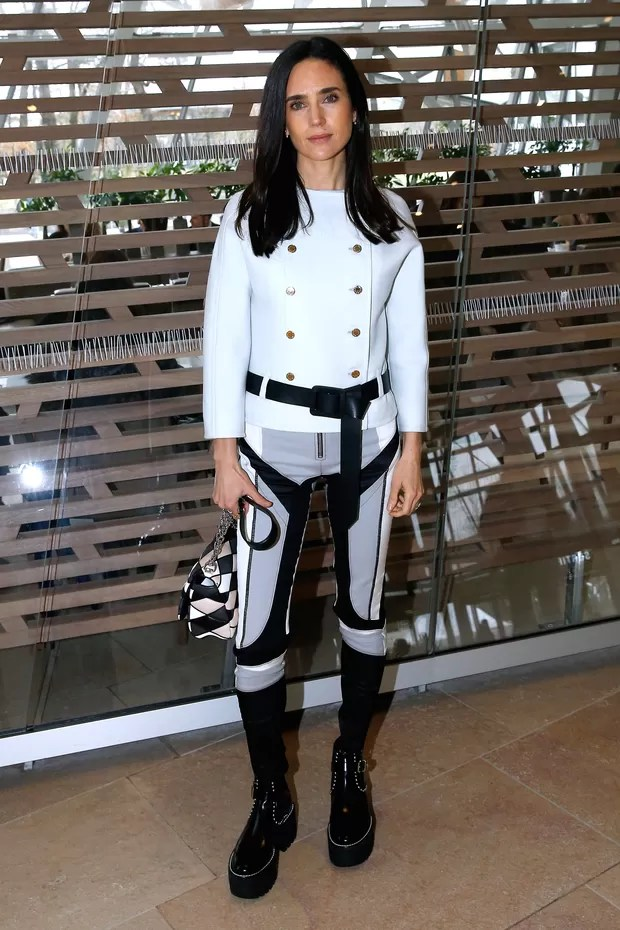 Jennifer Connelly assiste ao desfile da Louis Vuitton em Paris (Foto: Getty Images)