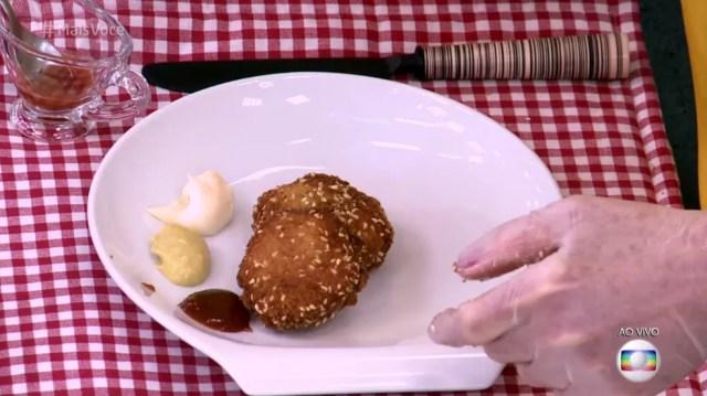 Você pode colocar maionese, mostarda e ketchup como opções de molho (Foto: TV Globo)