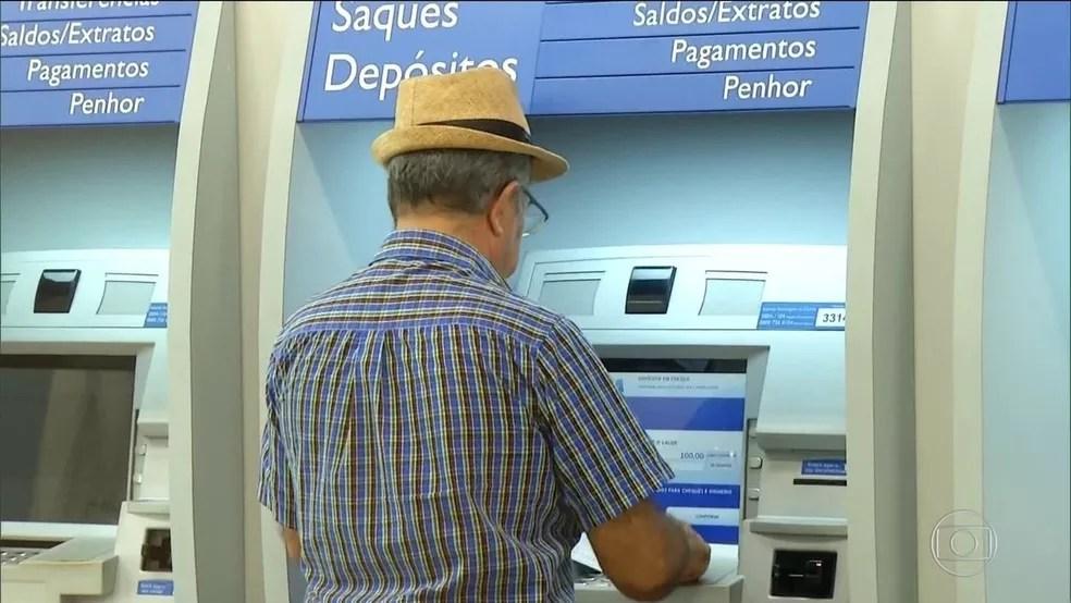 Saques do PIS e do Pasep terminam nesta sexta para pessoas menores de 60 anos — Foto: Reprodução