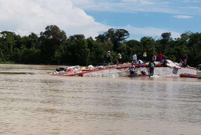 Embarcação com 97 pessoas naufragou no Rio Juruá, no Amazonas — Foto: Ronilson Campelo/Arquivo Pessoal