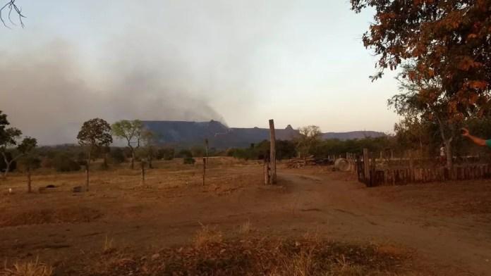 Fumaça das queimadas que atingem o Parque Estadual do Taquari — Foto: Corpo de Bombeiros/Divulgação