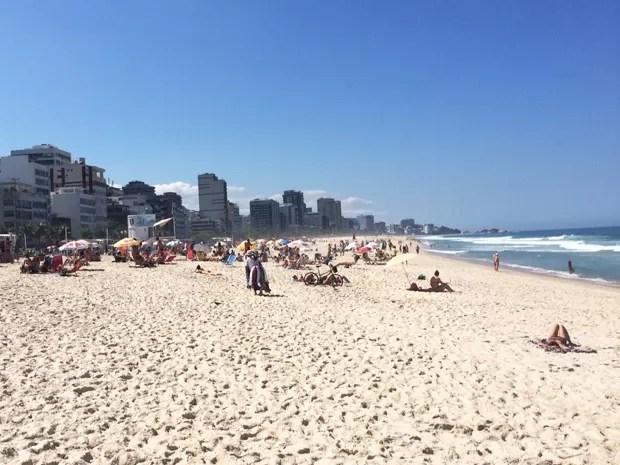 Banhistas aproveitam praia no Leblon (Foto: Pedro Araujo / Arquivo pessoal)