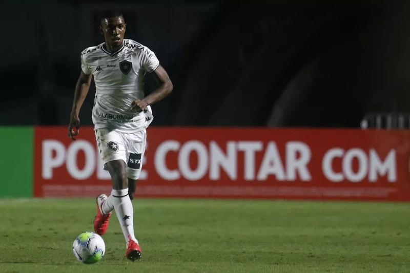 Zagueiro se destacou nos jogos contra o Vasco pela Copa do Brasil — Foto: Vitor Silva/Botafogo