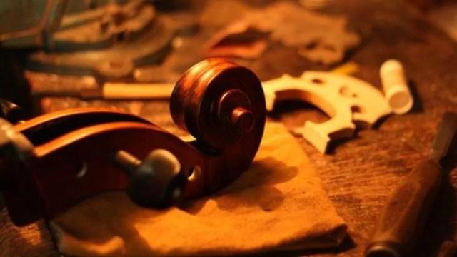 Cópias são comuns no mercado de instrumentos, desde que esteja claro a procedência (Foto: Leonardo Coelho)