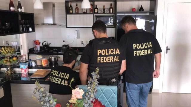 """Busca e apreensão na casa de um empresário de Santarém na operação """"Dilema de Midas"""" (Foto: Polícia Federal/Divulgação)"""