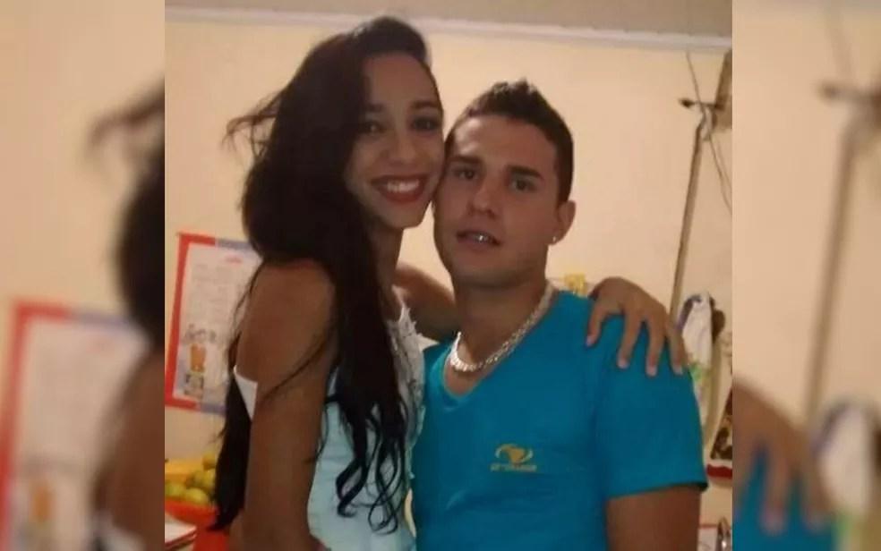 Jeniffer Ribeiro da Silva e Maycon Salustiano Silva, pais de bebê morto com tiro no peito em Luziânia — Foto: Reprodução/TV Anhanguera