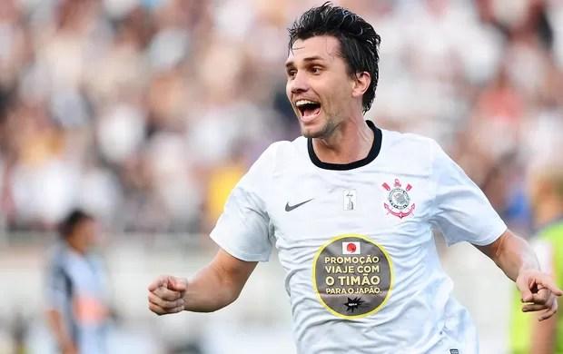 Paulo andré corinthians gol atlético-mg (Foto: Marcos Ribolli / Globoesporte.com)