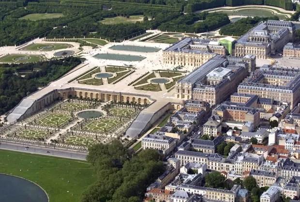 Vista aérea do Palácio de Versailles, na França (Foto: Joel Saget/AFP)