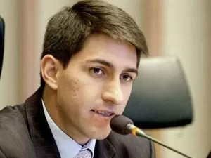 O deputado distrital Cristiano Araújo  (Foto: Sílvio Abdolon/CLDF)