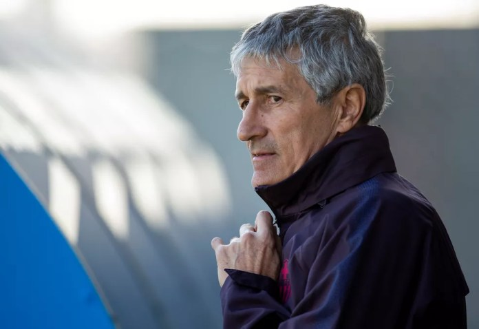 Barcelona coach Quique Setién training on Wednesday - Photo: EFE