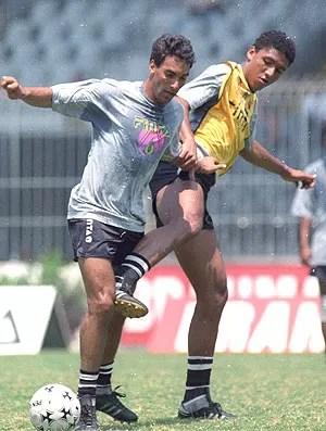 Ale e Edmundo no treino do Vasco em 1992 (Foto: Eurico Dantas / Ag. O Globo)