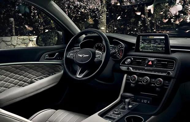 Interior do Genesis G70 conta com couro de alta qualidade (Foto: Divulgação)
