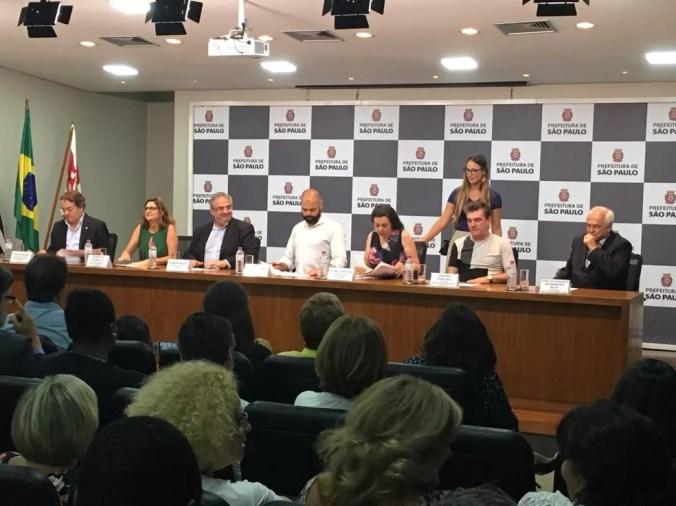 Bruno Covas, prefeito de São Paulo, recebe representantes de Corinthians, São Paulo e Palmeiras — Foto: Fernando Vidotto