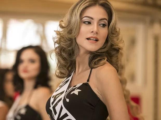 Hanna imita olhares de Maitê Proença (Foto: Inácio Moraes/Gshow)
