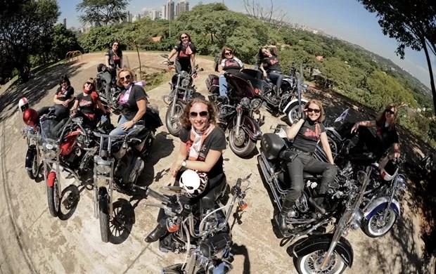 Integrantes do Ladies of the Road, motoclube só para mulheres (Foto: Raul Zito / G1)