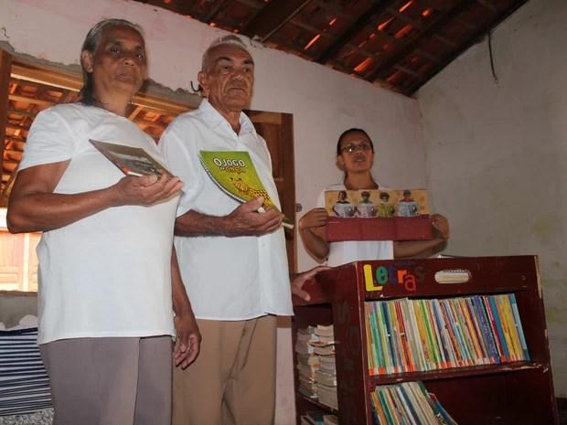 Luís do Rego Monteiro, 71 anos e Maria de Jesus, 62, foram incentivados pelas filhas (Foto: Patrícia Andrade/G1)