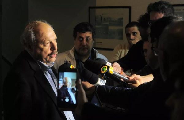 José Carlos Peres foi mantido na presidência pelos sócios do Santos — Foto: Marcos Ribolli