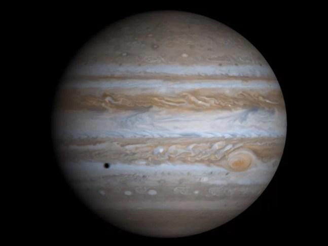 Júpiter é o maior planeta do Sistema Solar e conta com 66 satélites naturais — Foto: Nasa