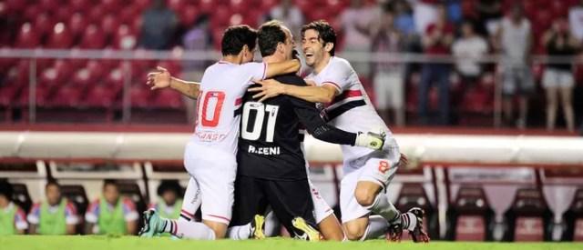 Rogério Ceni comemora gol do São Paulo contra o Bahia (Foto: Marcos Ribolli)