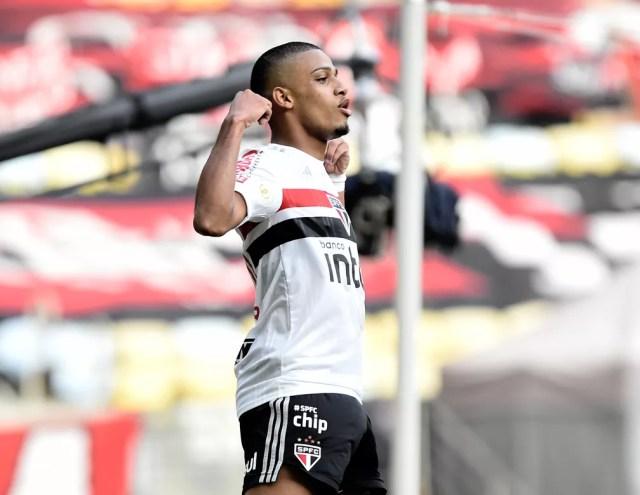 Brenner comemora gol do São Paulo contra o Flamengo — Foto: André Durão