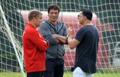 Para Aguirre e também para os dirigentes Raí e Ricardo Rocha, Sul-Americana também é prioridade (Foto: Érico Leonan/saopaulofc.net)