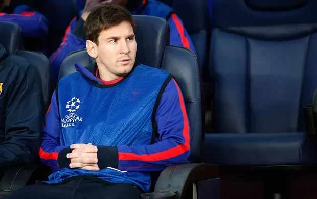 Messi banco Barcelona jogo Bayern Liga dos Campeões (Foto: AP)