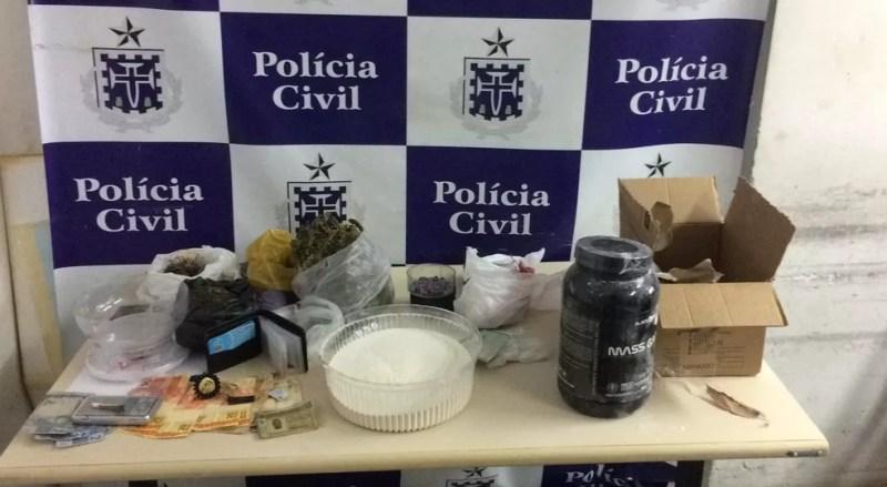 Homem é preso suspeito de participar de envio de ecstasy pelo Correios  — Foto: Divulgação/SSP-BA