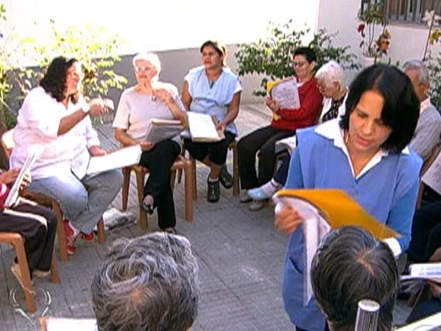 Creche para a terceira idade: idosos socializam durante o dia  (Foto: Mais Você / TV Globo)