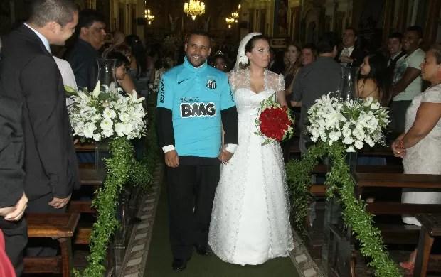 Osvaldo Luiz da Silva Cláudia casamento camisa Santos (Foto: Arquivo Pessoal)