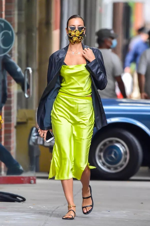NEW YORK, NY - OCTOBER 19: Model Irina Shayk is seen walking in SoHo on October 19, 2020 in New York City.  (Photo by Raymond Hall/GC Images) (Photo: GC Images)