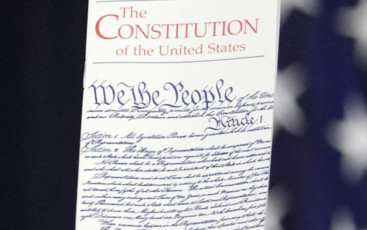 A 14ª Emenda à Constituição dos Estados Unidos foi ratificada em 1868 — Foto: AP Photo/J. Scott Applewhite