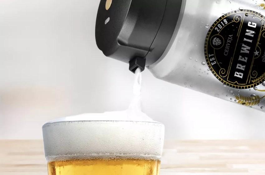 Dispositivo da Xiaomi adiciona colarinho de chope a qualquer cerveja em segundos — Foto: Divulgação/Xiaomi