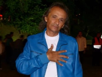 Chacon é sósia do Roberto Carlos há 40 anos  (Foto: Adriana Justi / G1)