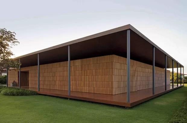 Casa ML, Porto Feliz, 2007/2010, Bernardes + Jacobsen Arquitetura (Foto: Leonardo Finotti)