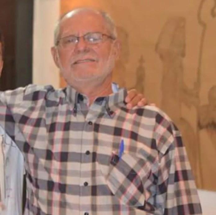 José Batistela estava em caminhão quando foi atingido por pedra.  — Foto: Arquivo pessoal