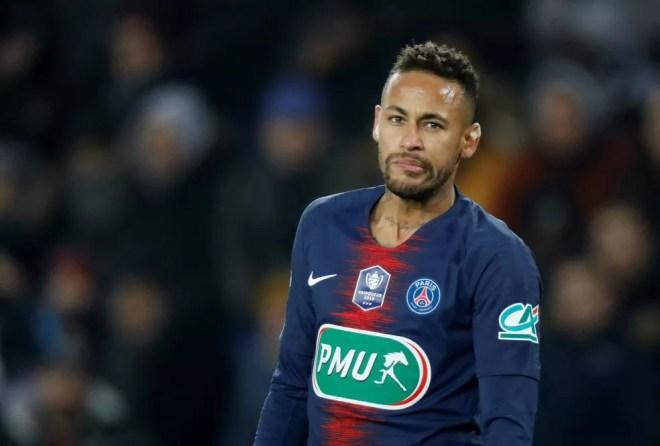 Neymar , do PSG, em ação contra o Strasbourg — Foto: Reuters
