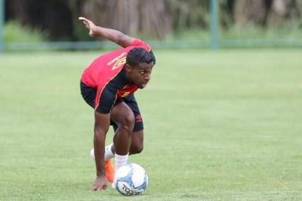 João Igor em treino do Sport na temporada — Foto: Marlon Costa / Pernambuco Press
