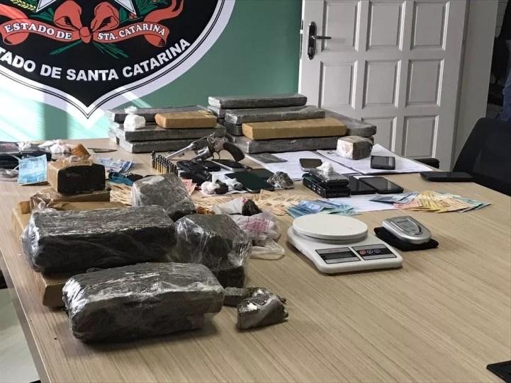 Drogas foram apreendidas no Oeste catarinense (Foto: Polícia Civil/Divulgação)