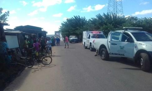 Jovens foram mortos na Favela do Fio, Zona Oeste de Natal (Foto: Heloísa Guimarães/Inter TV Cabugi)