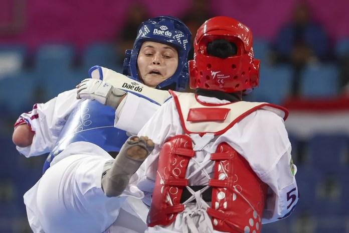 Débora Menezes é campeã mundial de parataekwondo — Foto: Daniel Zappe/EXEMPLUS/CPB